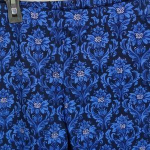 Isaac Mizrahi Pants & Jumpsuits - 4/$25 Isaac Mizrahi Live! blue floral skinny pants